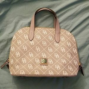 Dooney and Bourke Maxi Quilt Zip Zip